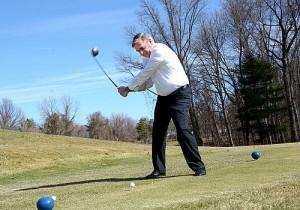 Mayor Gary McCarthy kicks off the 2015 golf season at Schenectady Muni.